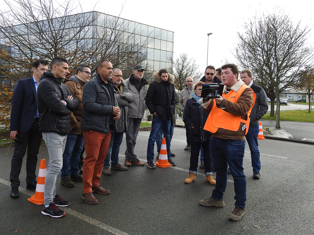 demonstration-parrot-dwa-drone-groupe